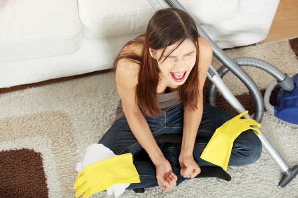 woman-doesnt-like-cleaning