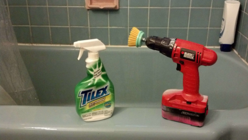 power scrub your bathroom hack