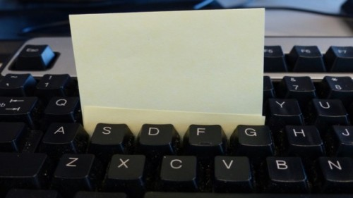 sticky note cleaning keyboard