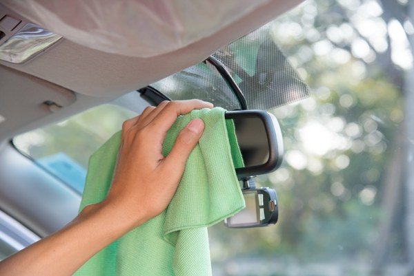 how to clean the car windows