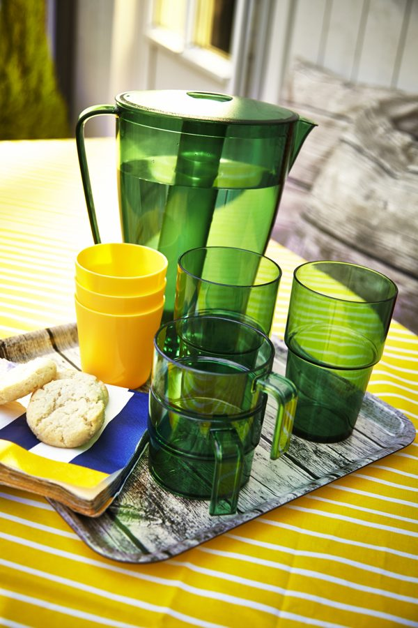 outdoor-plastic-cups