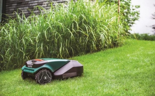 robomow large robot lawnmower